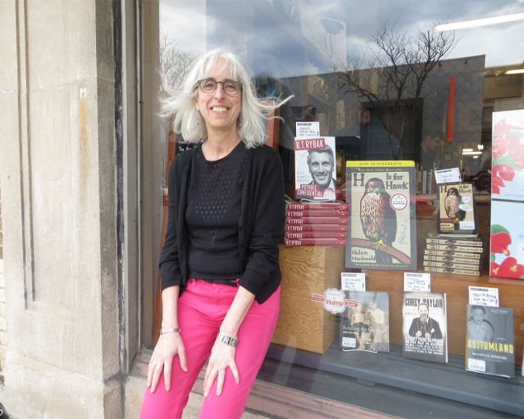 willa_books_in_window1